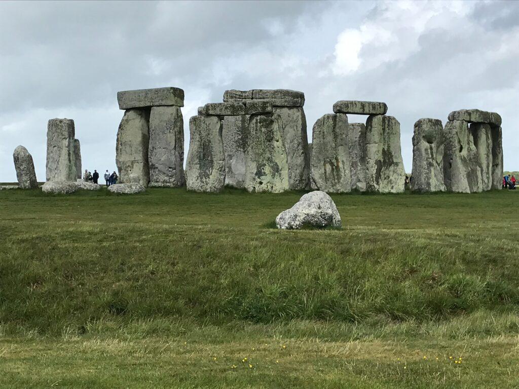 遺跡と遺構、遺物の違いについて